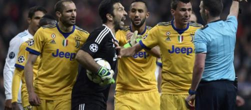 Buffon: 'Arbitro? Stia in tribuna a mangiare, senza personalità - ilbianconero.com
