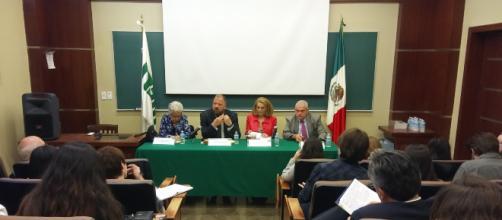 En la imagen, Olga Pellicer, Allert Brown-Gort, Fey Berman y Miguel Basáñez durante la presentación del libro 'Mexamérica. Una cultura naciendo'
