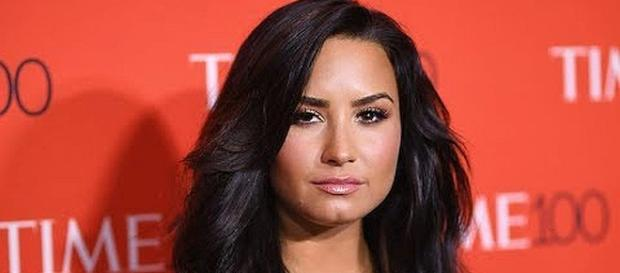 Demi Lovato was inspiration for Mariah Carey to tell about bipolar disorder [Image: Clevver News | YouTube]