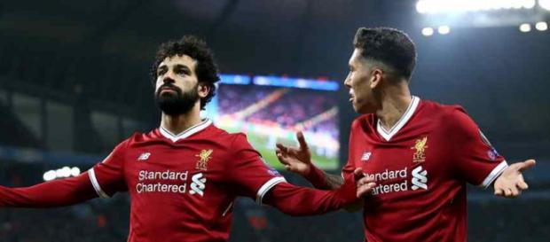 Salah, com Firmino, no ataque sensacional do Liverpool