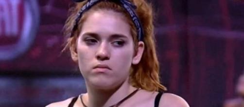 BBB18: Ana Clara tem dificuldades para continuar prova de resistência no programa.