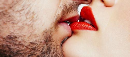 El 13 de abril el mundo celebra el Día Internacional del beso. Public Domain.