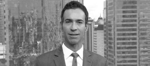 Em luto com morte na família, César Tralli decide se afastar da Globo