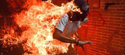 Fotógrafo venezolano Ronaldo Schemidt gana el World Press Photo 2018