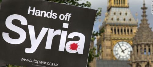 Grancia e Gran Bretagna vogliono intervenire militarmente in Siria