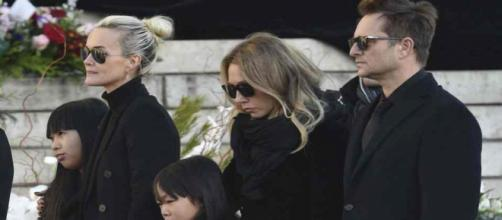 Héritage de Johnny Hallyday : un premier accord a été trouvé entre Laeticia, David et Laura