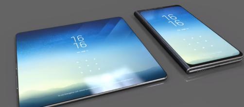 Samsung X, schermo OLED pieghevole.