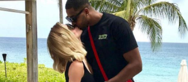 Khloe Kardashian and Tristan Thompson on vacation. [Photo via Instagram]