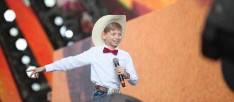 Yodeling Kid, Mason Ramsay singing