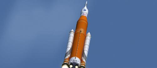 Artist's concept of Space Launch System in Flight (Image credit – NASA/MSFC, Wikimedia Commons)