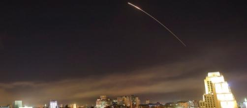 Damasco: USA, Regno Unito e Francia attaccano obiettivi militari