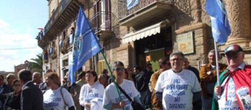 Manifestazione in provincia di Agrigento per l'acqua pubblica contro la privatizzazione (foto Di Bella).