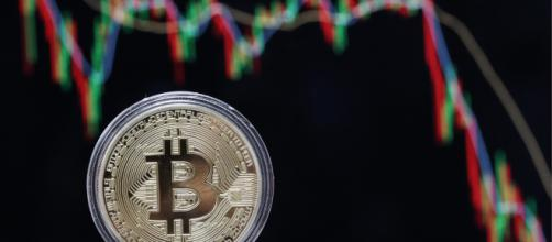Una representación visual de la criptomoneda digital, Bitcoin.