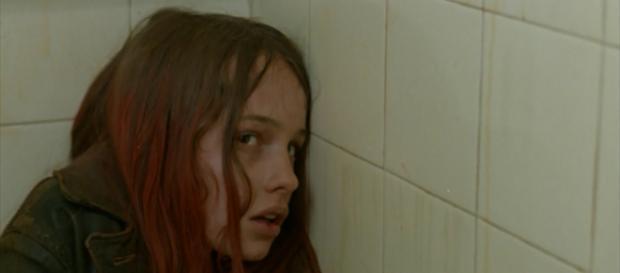 Christiane F. erschöpft auf einer öffentlichen Toilette (Film, Wir Kinder vom Bahnhof Zoo)