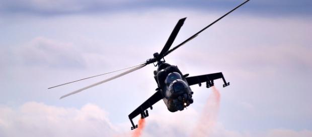 Helicóptero russo é visto sobrevoando (Pixabay)