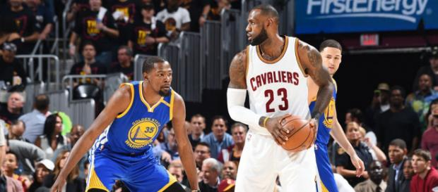 LeBron James or Kevin Durant, who is the better NBA player right now? - [Image via Curt Johnson - Flickr]