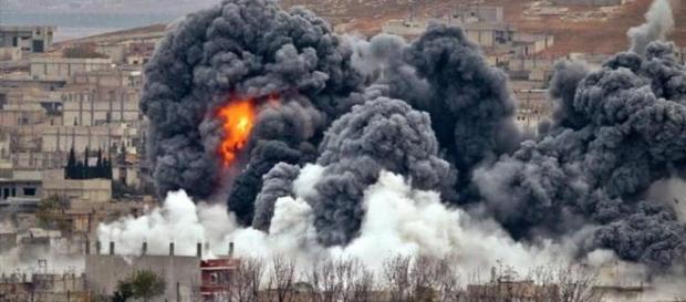 Siria atacată de SUA, Franţa şii Marea Britanie