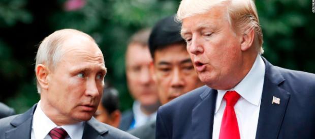 Vladimir Putin accusato di aver favorito Assad e le armi chimiche.