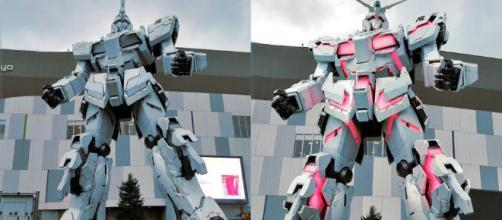 La estatua de Gundam antes y después de la transformación.