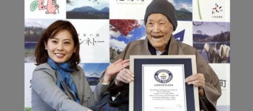 Masazo Nonoka recebe o titulo de Homem mais velho do mundo