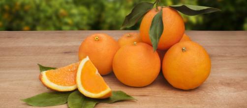 La naranja debe ser incluida en la dieta diaria. - saludynegociosenred.com