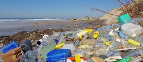 plastique à usage unique dans le collimateur de la Commission ... - actu-environnement.com