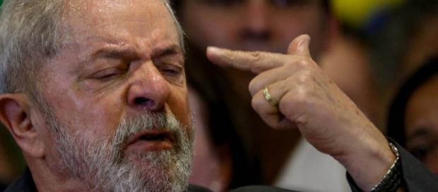 Pesquisa aponta que prisão de Lula foi justa para 54% e injusta para 40%
