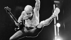 Red Hot Chili Peppers: il bassista Flea scrive le acrobazie della propria vita