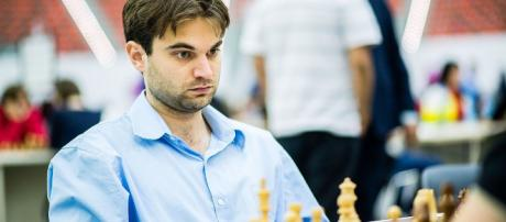 Sam Shankland playing at a tournament in Greece. - [Andreas Kontokanis / Wikimedia Commons]
