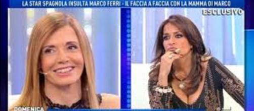 Da sinistra la mamma di Marco Ferri e la spagnola Aida Nizar