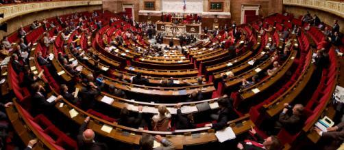 """Le bras de fer s'engage à l'Assemblée nationale sur le projet de loi """"Asile et immigration"""""""