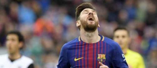 Leo Messi não está muito satisfeito com o seu time