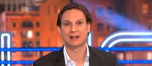 Lluvia de críticas a Javier Cárdenas por su programa en el Día de ... - mundodeportivo.com