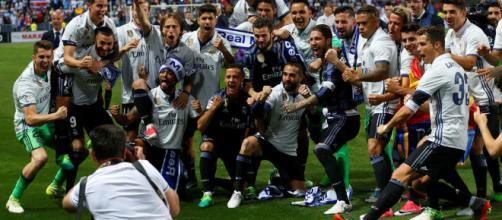 Real Madrid ascendió al tercer puesto al ganar en Málaga