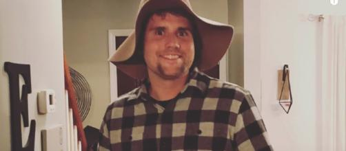 Ryan Edwards was arrested for reportedly breaking his probation. [image source: E!News - YouTube]