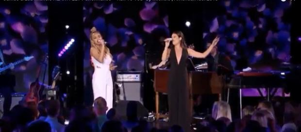 """American Idol"" 2018 top contender Jurnee joins Lea Michele on an emotional ""Run To You."" [Image credit: AmericanIdol/YouTube screencap]"