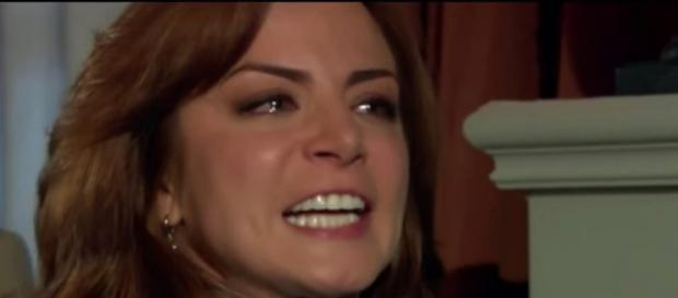 Fernanda se desespera ao perceber que foi abandonada por Adriano