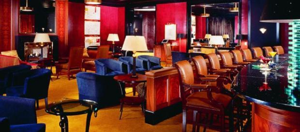 The Bar Lounge | El Peninsula Chicago - peninsula.com