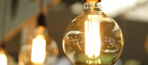 Algunas empresas contratan administradores de energía internos.
