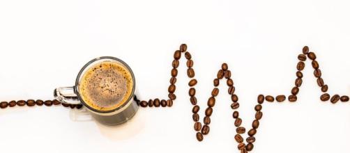 la cafeina sube la tension arterial