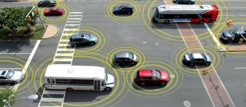 Comunicaciones de vehículo a vehículo promoverá Toyota.