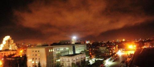 Damasco, la TV di Stato annuncia un nuovo attacco missilistico