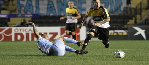 Douglas Moreira perto de trocar o Criciúma pelo Fluminense