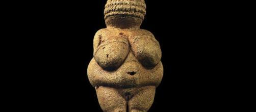 """Facebook censura prehistórica obra de arte por """"pornográfica"""