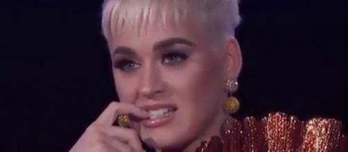 Katy Perry keeps having wardrobe issues. [image source: Twitter - @katyperry]