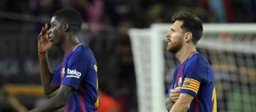 Leo Messi e Dembélé compartilham o ataque do Barcelona