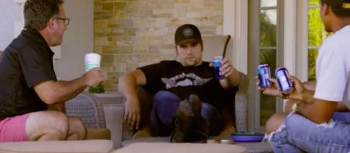 Ryan Edwards drinks beer on 'Teen Mom OG.' - [Photo via MTV / YouTube screencap]