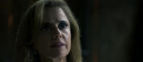 Sophia (Marieta Severo) terá sua vida destruída por Mariano (Juliano Cazarré) no final de ''O Outro Lado do Paraíso''