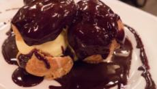 Profiteroles with mint chocolate sauce