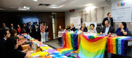 Estatuto da Diversidade Sexual e de Gênero passa a tramitar no Senado como Projeto de Lei.